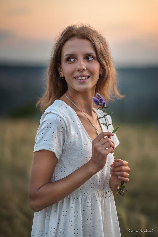 portrait, fragile, natural beauty, female portrait, sunset, flower Blue flowerphoto preview