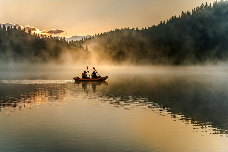 landscape nature scenery summer sunrise morning dawn lake b&w reflection fog foggy mist misty boat sun clouds mountain trees пейзаж рассвет горы озеро Release the light in youphoto preview