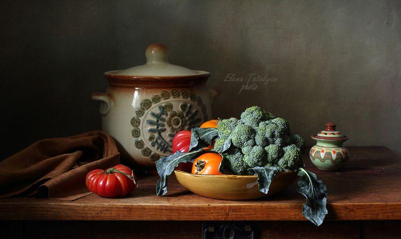 брокколи, помидоры Брокколи и помидорыphoto preview