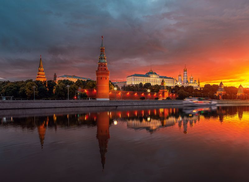 архитектура, москва, город, street, moscow, architecture, кремль, отражение, reflection  Рассвет у Кремляphoto preview