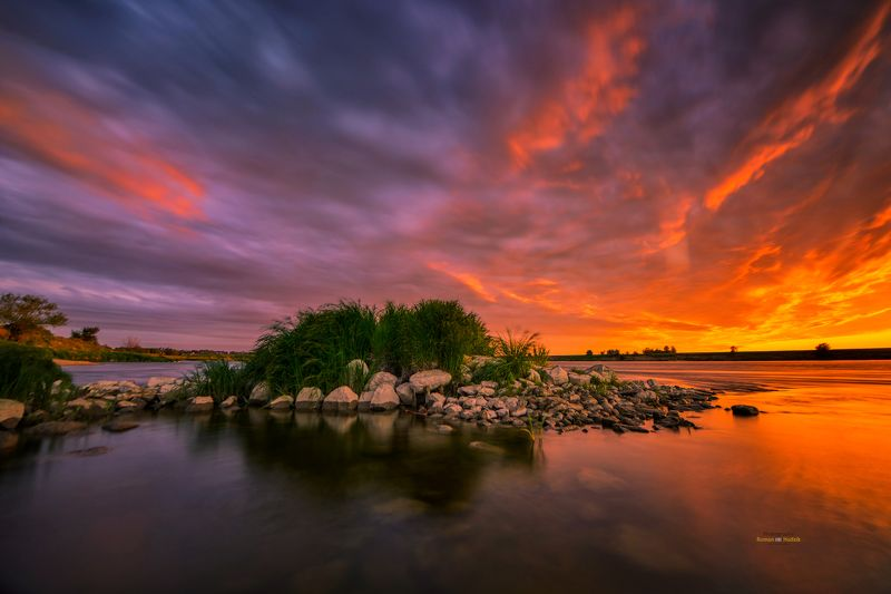 river, landscape, clouds, sunrise, water, sunrise colors, island, stones. By the riverphoto preview