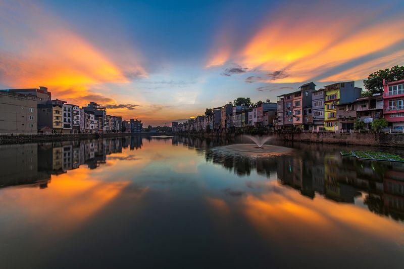 sunset, architecture, landscape, vietnam, hanoi, reflection, nikon, laowa Sunset at Cau Tinh lakephoto preview