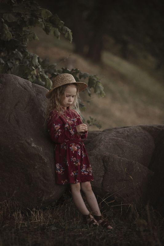 девочка шляпка прогулка лето Прогулкаphoto preview