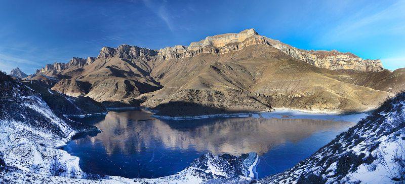 Былымское высокогорное озероphoto preview