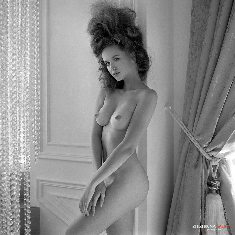 пленка, чб, черно-белое, ню, артню, nude, artnu, film, bw, b&w, black and white, girl Стеснениеphoto preview