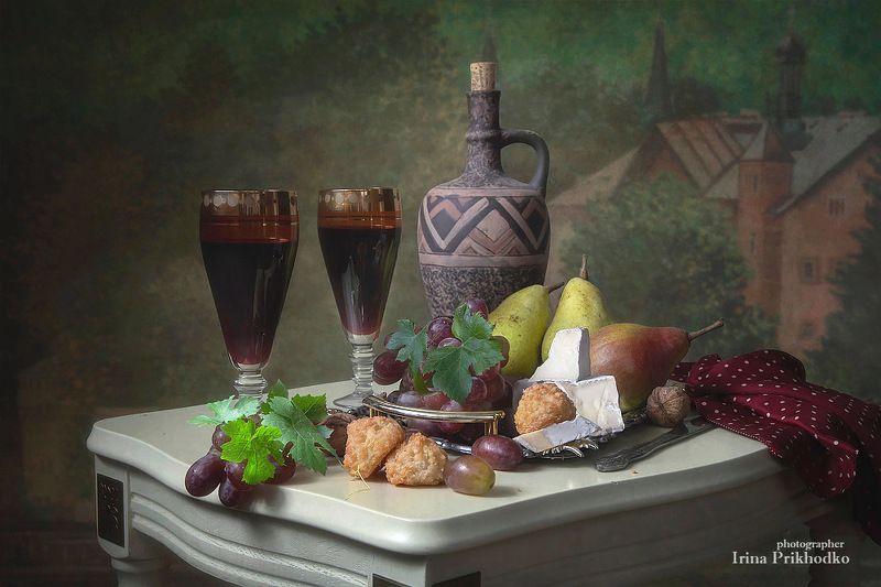 натюрморт, еда, вино, фрукты, винтажный, сыр бри Натюрморт с сыром бри и красным виномphoto preview