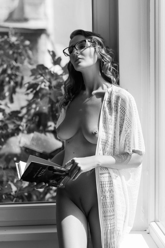 nude,b&w,девушка,ню,model,ч/б Readerphoto preview