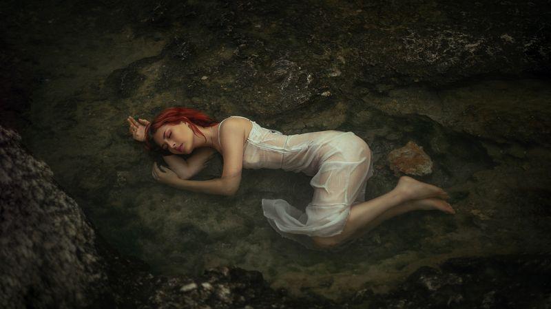 женский портрет Sleepingphoto preview