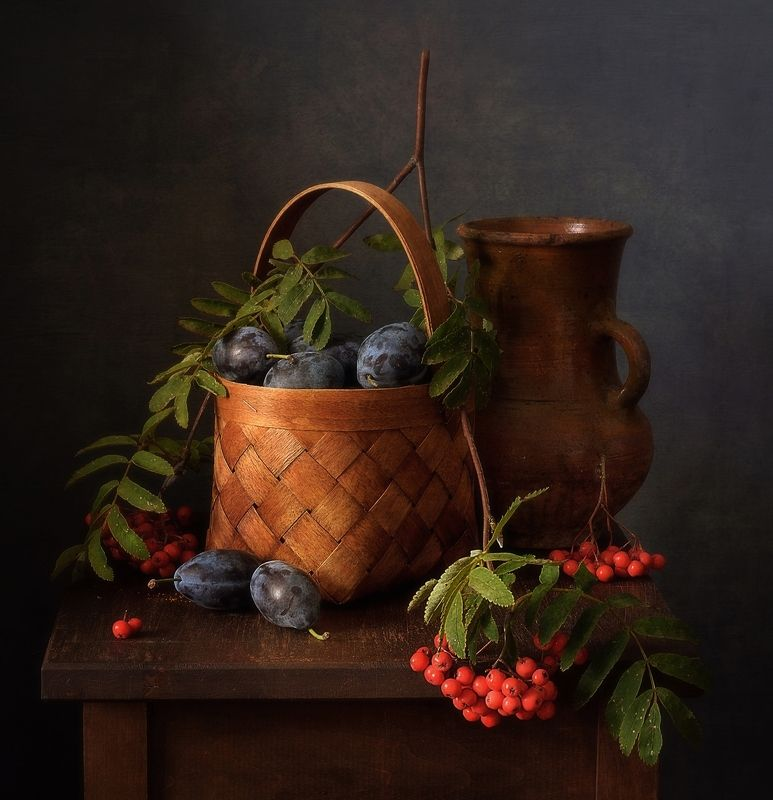 натюрморт,композиция,сливы,рябина дары осени) фото превью