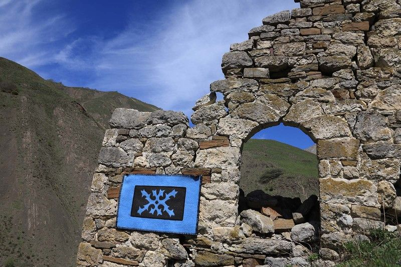 Ингушетия, Кавказ, национальный орнамент, ковер, истинг, крепость photo preview