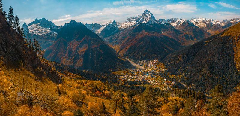 северный кавказ, карачаево-черкесия, домбай, осень, осенний, жёлтый, дневной, кавказский хребет, лес, деревья, посёлок домбай, долина, горы, хребет, Осень в Домбаеphoto preview