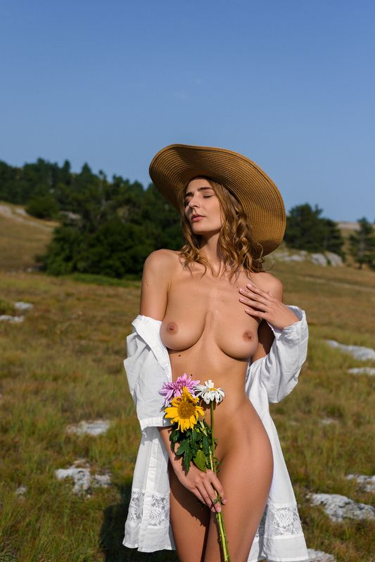 nude,model,color,обнажённая,грудь,ню photo preview
