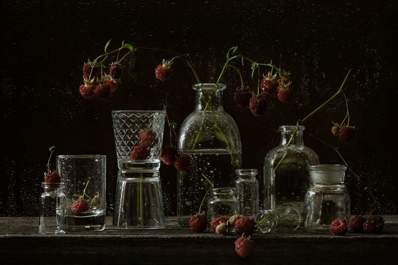 натюрморт, темный, стекло, малина Малина и стеклоphoto preview