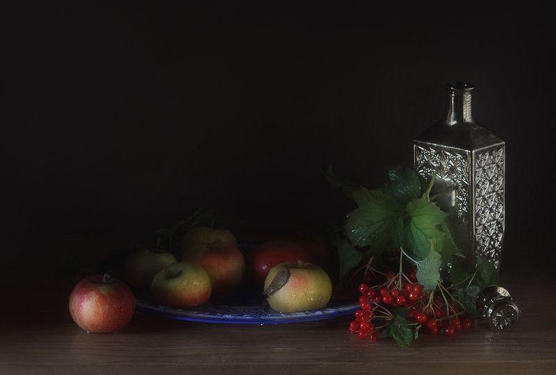 яблоки калина бутыль разнос С яблокамиphoto preview