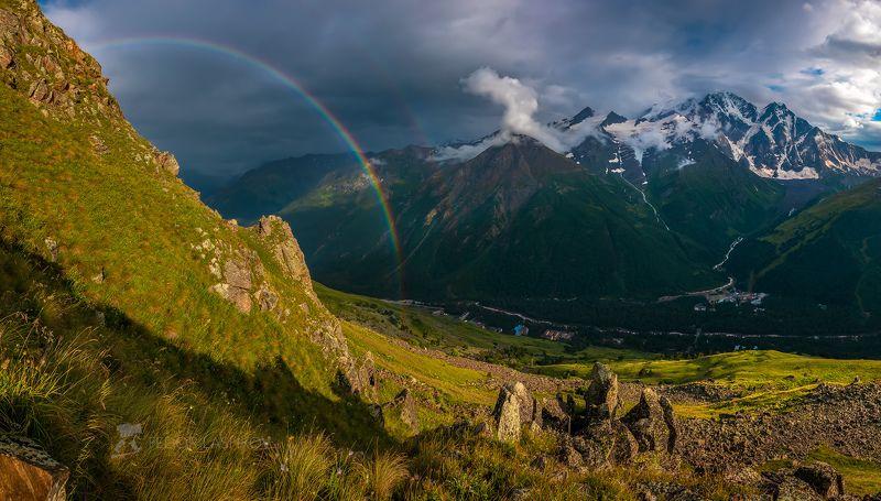 северный кавказ, кабардино-балкарская, терскол, кавказский хребет, лето, альпийские луга, путешествие, горы, национальный парк приэльбрусье, баксанское ущелье, лес, цветы, радуга, непогода, небо, долина, чегет, Радуга в горахphoto preview