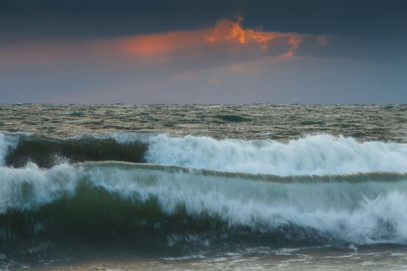 севастополь, море, шторм, закат. Свежий ветер.photo preview