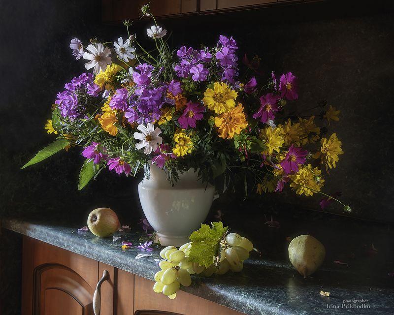 натюрморт, цветы, букеты, фрукты, художественная фотография Сентябрьское утроphoto preview