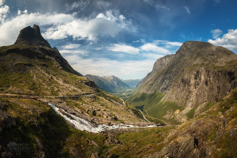 norway,trollstigen,road,mountains,summer,panorama,panoramic,norwegian,nature,scenic,landscape, Down to the valley фото превью