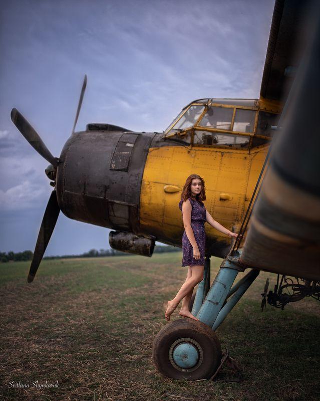 portrait, fragile, natural beauty, female portrait, emotion, plane On the groundphoto preview