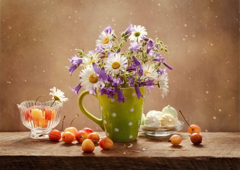 натюрморт, цветы, фрукты Летоphoto preview