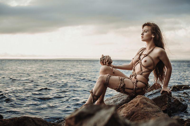 ню, шибари, остров, закат Шибари на островеphoto preview