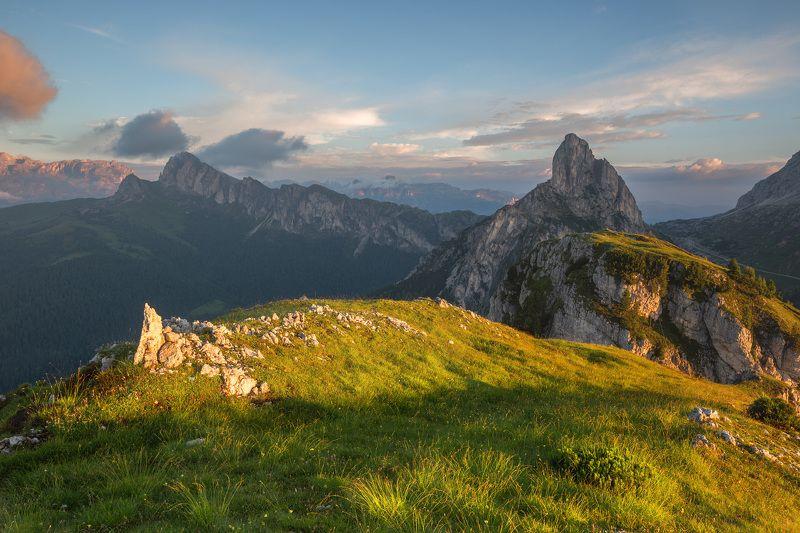италия, доломиты, горы, облака, восход, природа, landscape, italy, dolomites, golden hour, golden light, sunrise Утро альпийского лета.photo preview