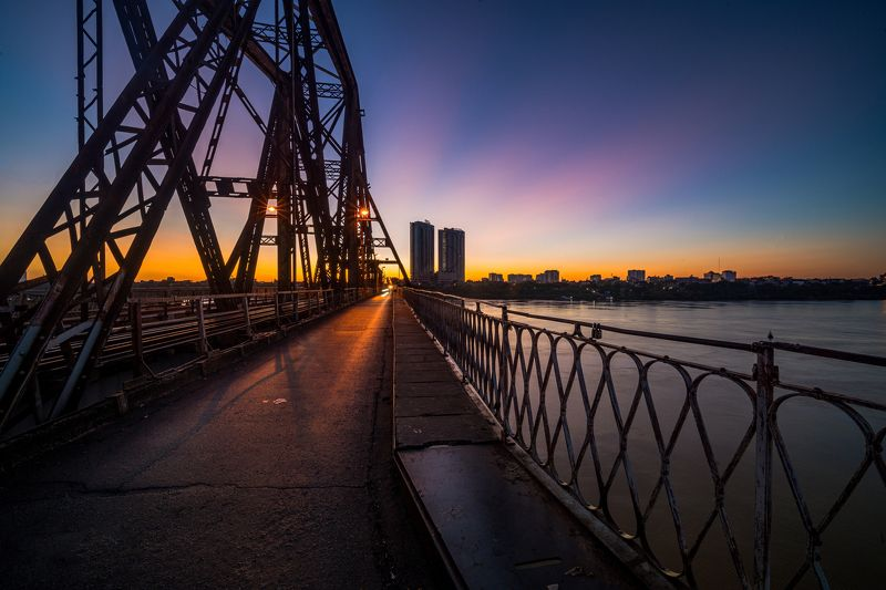 architecture Sunrise at the Long Bien bridgephoto preview