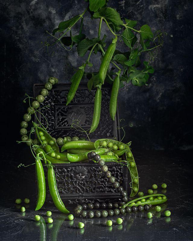 горох натюрморт фотонатюрморт  Сокровища для принцессы на горошинеphoto preview