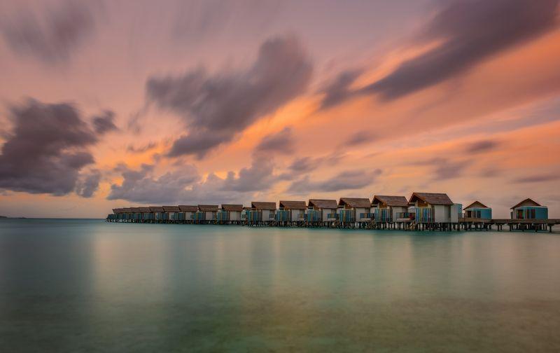 длинная выдержка, индийский океан, курорт, лето, мальдивы, океан, остров, острова, рассвет, утро, виллы, длинная экспозиция, мальдивские острова, июль 2021, надводные, crossroads maldives, hard rock hotel Overwaterphoto preview