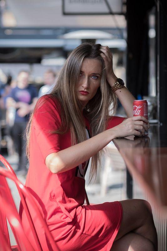 woman, portrait, city, портрет, город, прага, beautiful woman, street, red dress, cola, bar, Do you like cola?photo preview