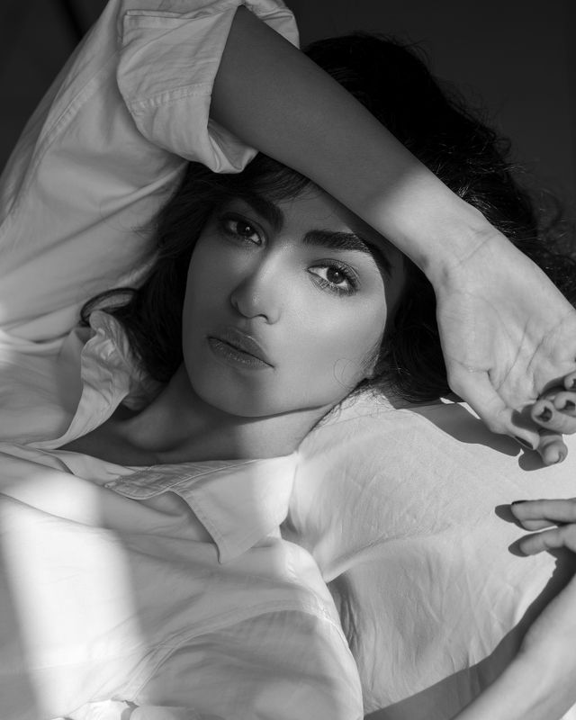 portrait, model, blackandwhite, naturallight, face, eyes,  Sabaphoto preview