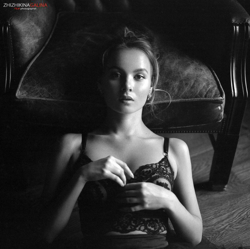 чб, черно-белое, портрет, лицо, прикосновение, пленка, film, bw, black and white, b&w, girl, face, portrait Катяphoto preview