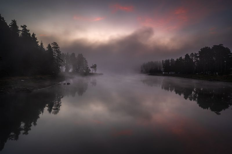 landscape nature scenery summer sunrise morning dawn lake reflection fog foggy mist misty clouds mountain trees пейзаж рассвет горы озеро Early morningphoto preview