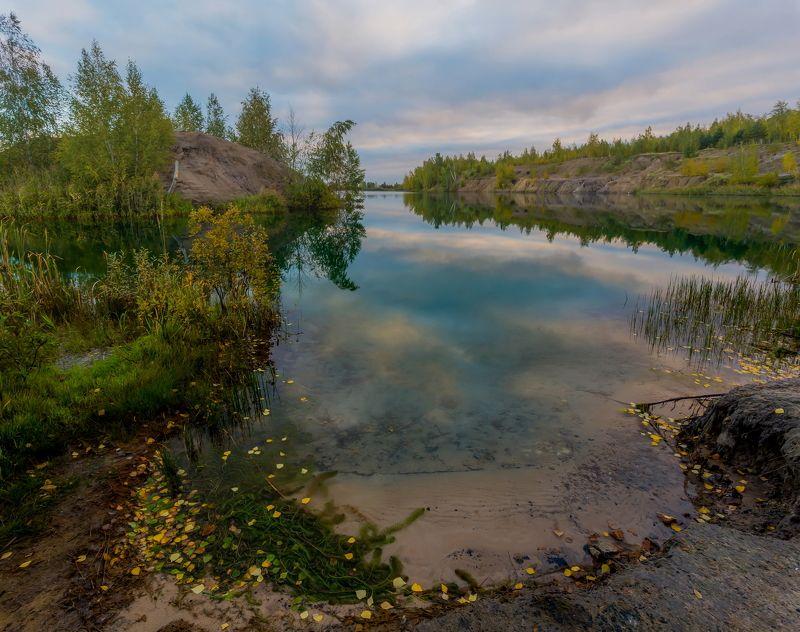 Озеро, остров, осень, природа, пасмурно, утро Осенний этюдphoto preview