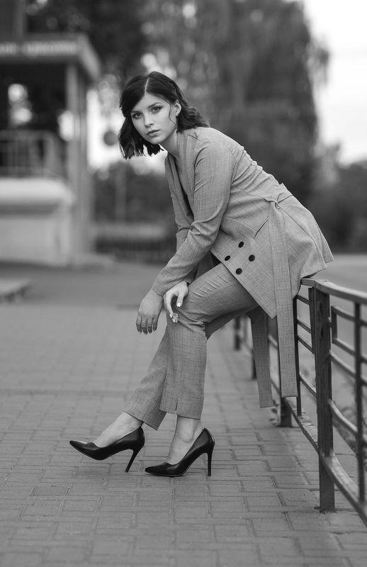 девушка, модель, портрет, фотосессия, макияж, гламур, girl, model, modeling, young, portrait, make-up, glamour, studio, чб, чёрно-белое фото, bw, black and white, творческий портрет, женский портрет, постановка, постановочная фотография, fashion Сашаphoto preview