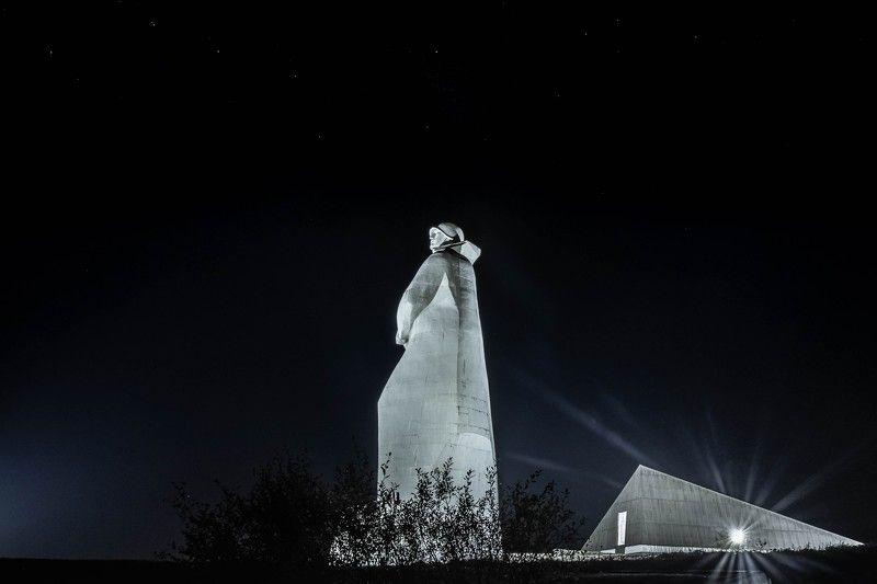 Архитектура, ночь, бессмертие Бессмертный часовойphoto preview