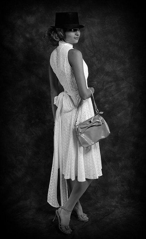 девушка,платье,сумка,зорро,zorro FemiZorrophoto preview