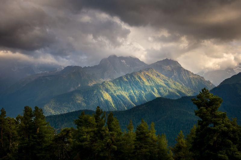 горы кавказ тучи пейзаж лето осень После дождяphoto preview