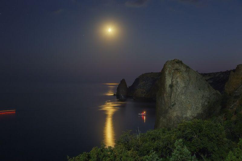луна, вечер, море. Вечерок...в сентябре на мысе Фиолент.photo preview