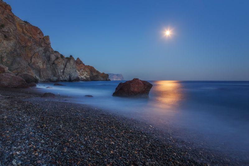 луна, вечер, море. Лунный пляж Фиолента.photo preview