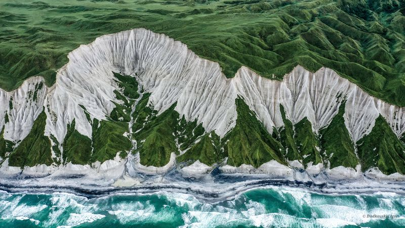 Курильские острова  Белые Скалыphoto preview