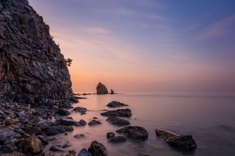 весна, вода, горы, длинная выдержка, камни, кемер, море, пляж, рассвет, скала, скалы, средиземное море, турция, утро, длинная экспозиция, текирова, камни в море, анталья, 2021, май 2021 The place of morning calmphoto preview