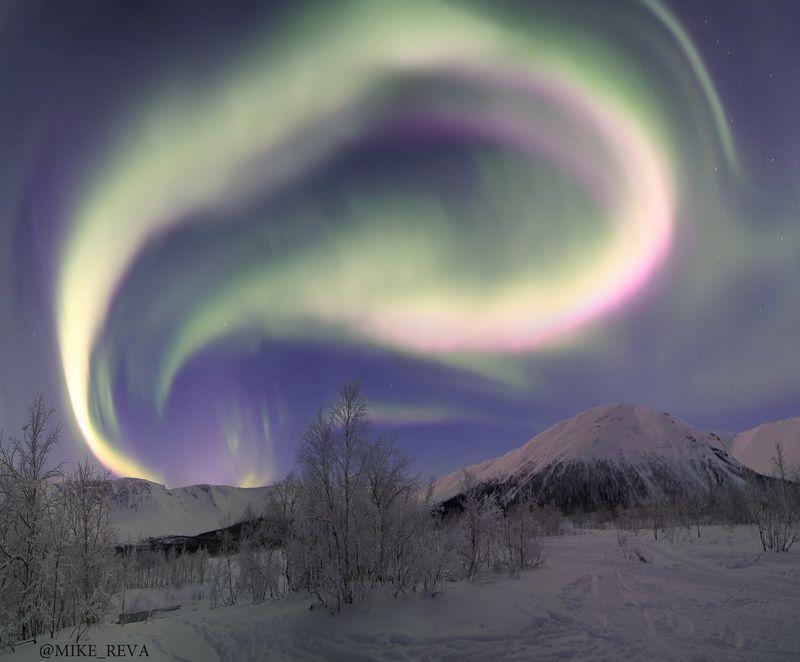 ночь звезды северное сияние ночной пейзаж астрофотография хибины Небо в огнеphoto preview