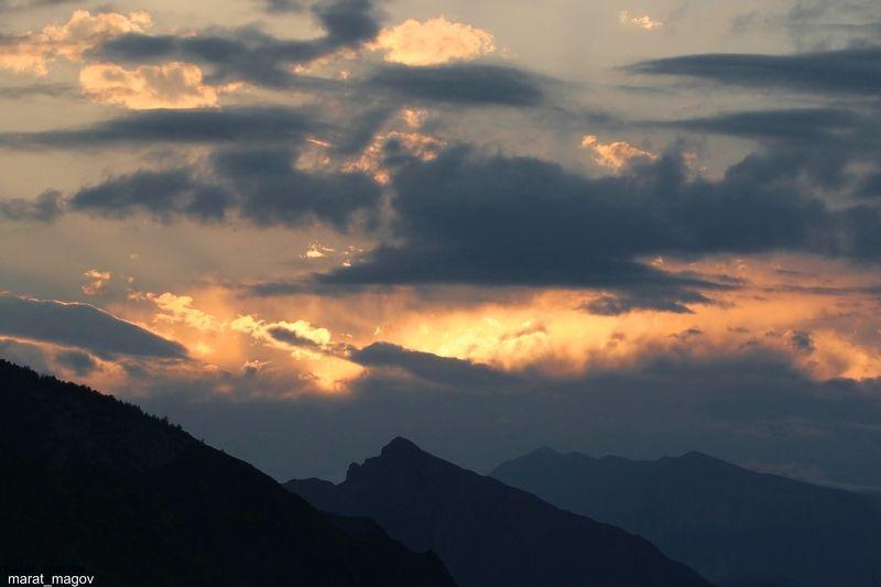горы,вечер,закат,вершины,пейзаж,небо,деревья,дагестан,природа Вечерний пейзаж..photo preview