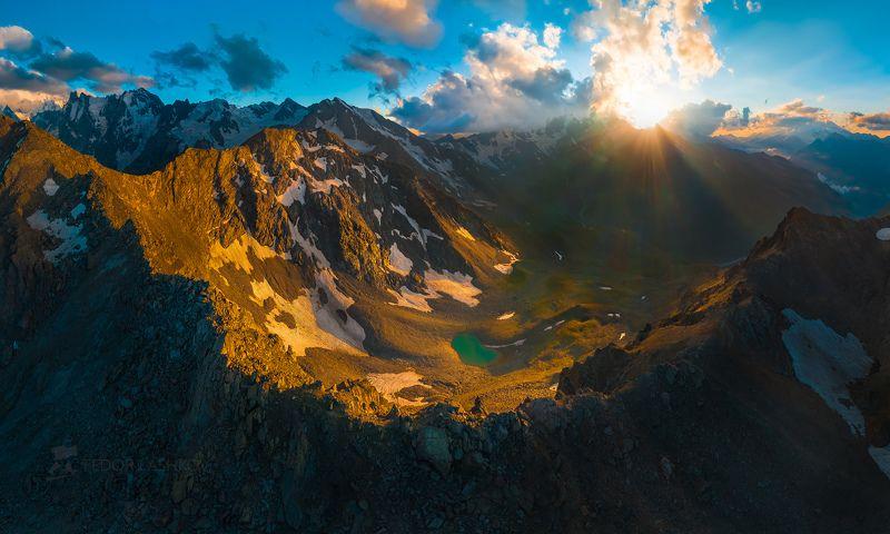 северный кавказ, кабардино-балкарская, кавказский хребет, путешествие, юсеньги, горы, приэльбрусье, ледники, суровый, скалы, вершина, закат, освещение, тёмное, небо, облака, озеро, долина, хребет, перевал, Драгоценностьphoto preview