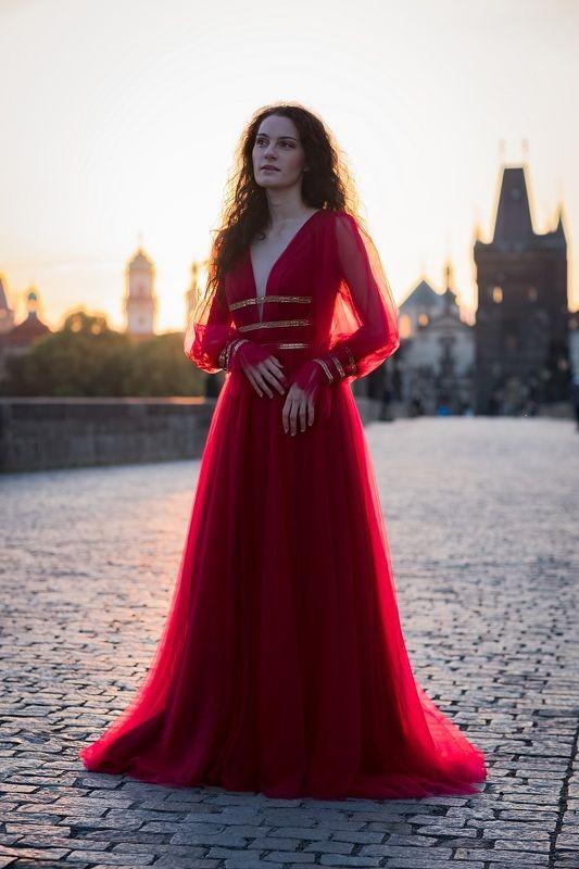 woman, portrait, city, prague, architecture, портрет, город. архитектура, прага, beautiful woman, dress Alicephoto preview