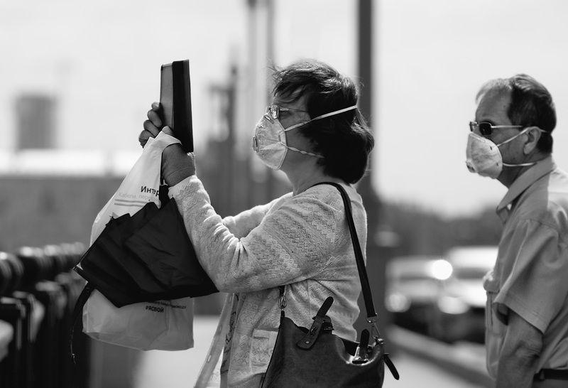 чб фото, город, лето, пандемия, жанровый портрет, стрит фото Летние картинкиphoto preview