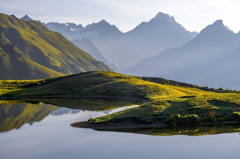 кавказ, грузия, сванения, верхняя сванетия, озёра корульди, корульди, ушба, тетнульд, рассвет, солнце, долина ингури, ингури, григорий беденко, Рассвет над Большим Кавказским хребтомphoto preview