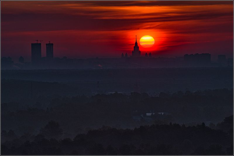 москва, утро, восход солнца, мгу Встречая солнце утром раннимphoto preview