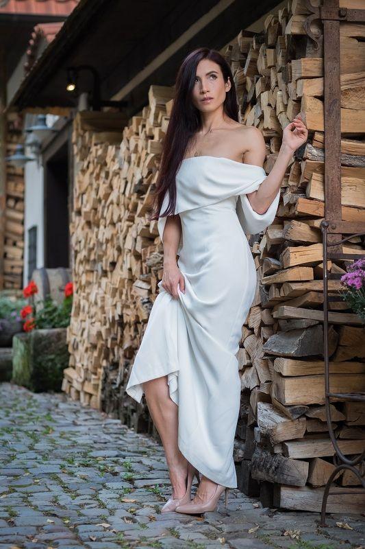 woman, portrait, city, prague, architecture, портрет, город. архитектура, прага, beautiful woman, dress Jadephoto preview